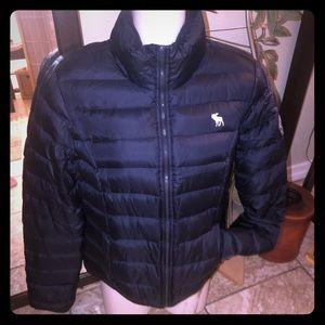 Women Abercrombie puffs jacket coat mid M